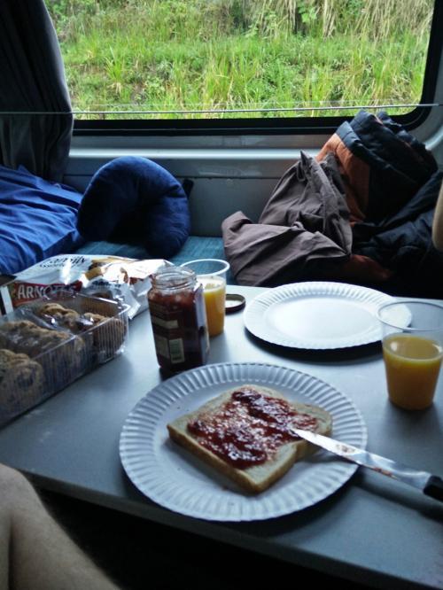 015-Breakfast